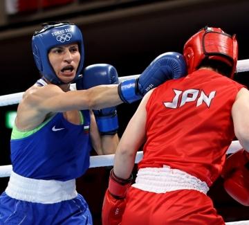 Първата българка с олимпийски медал по бокс - дали ще е златен?