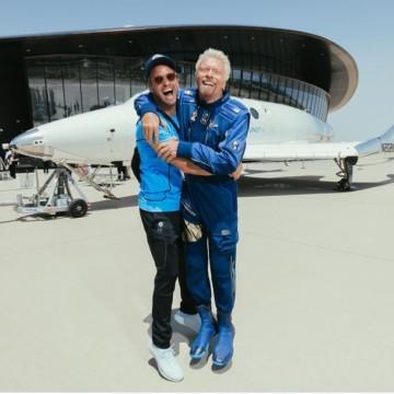 450 000 долара за полет с космическия кораб на Брансън