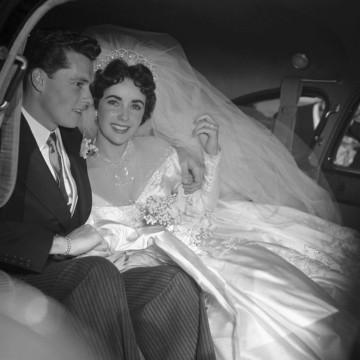 8 сватби, 8 различни рокли – да бъдеш Елизабет Тейлър