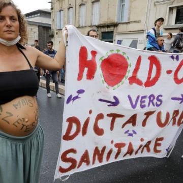 """Франция: 237 000 души казаха """"не"""" на мерките срещу Covid-19"""