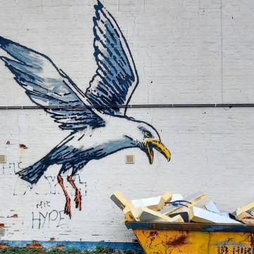 Банкси с нови графити по крайбрежието