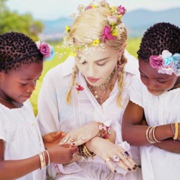Мадона с трогателен пост за рождения ден на близначките си