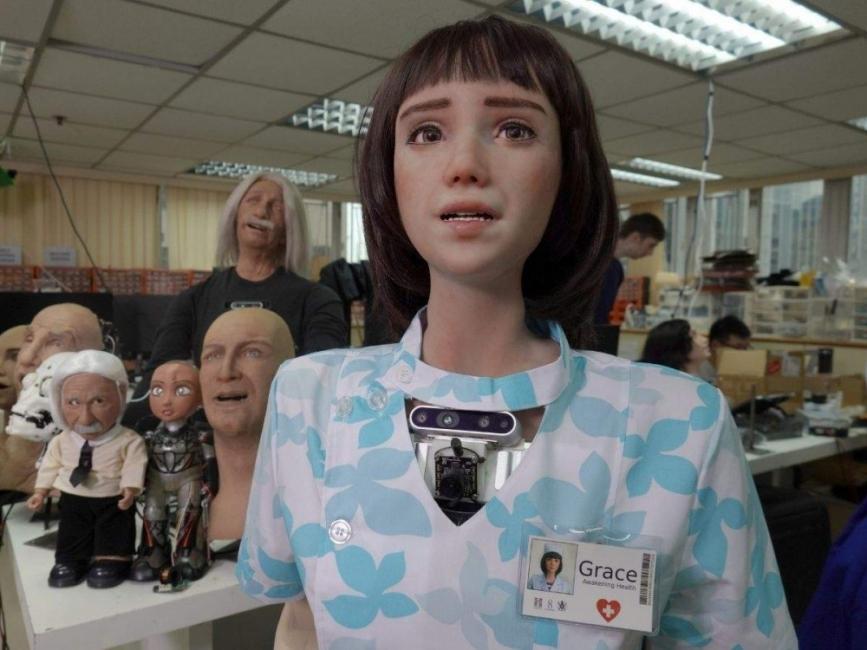 Запознайте се с Грейс, свръхреалният робот медицинска сестра