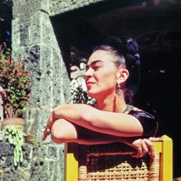 Непоказвани снимки от дома на Фрида Кало