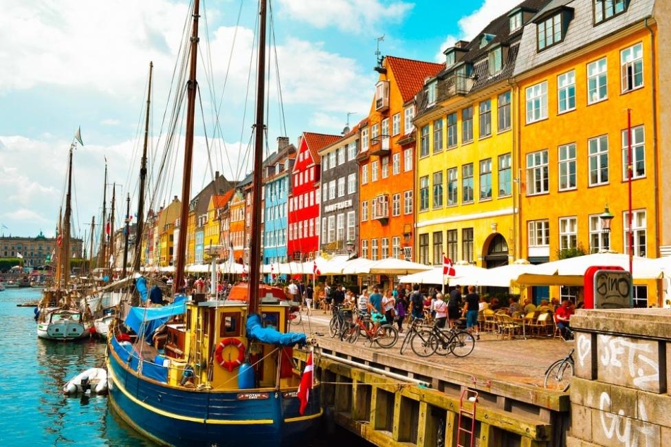 Дания първа в ЕС сваля ограниченията срещу Covid-19