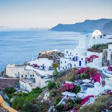 Гърция затяга мерките за неваксинирани от днес