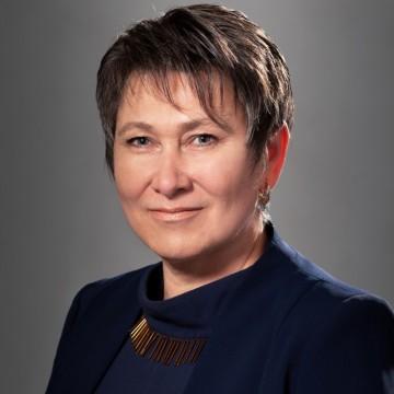 Жена поема Министерството на икономиката. Коя е Даниела Везиева?