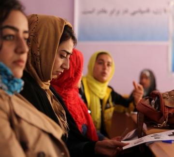 Кметът на Кабул призова жените да си останат вкъщи