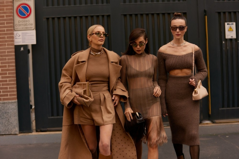 10 стайлинг идеи от улиците на Милано, където започна Седмицата на модата