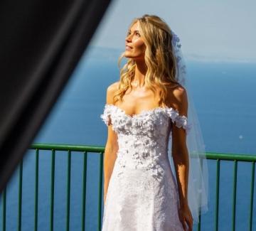 Вълшебната сватба на Габриела дьо Живанши на остров Капри