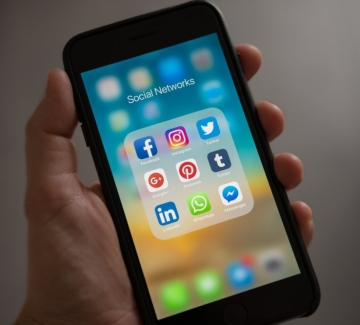 Какво се случи с Facebook и Instagram