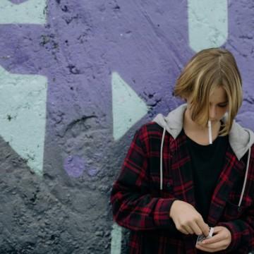 Българските тийнейджъри пият и пушат най-много в Европа