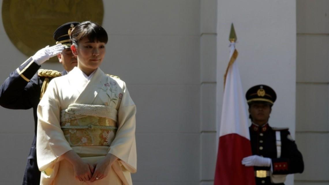 Японската принцеса Мако се омъжи за своя избраник и се лиши от титлата си
