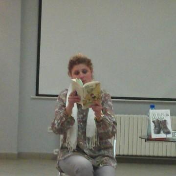 Четенето е нощно занимание