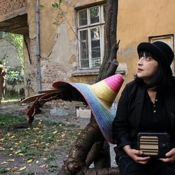 """""""София моно"""" – театър в парка"""