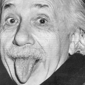 Случайност е когато Бог се намеси, оставайки анонимен. Алберт Айнщайн
