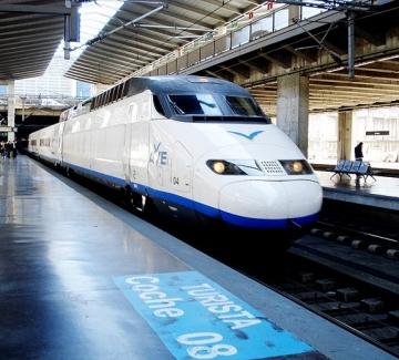 С влак от Барселона до Париж