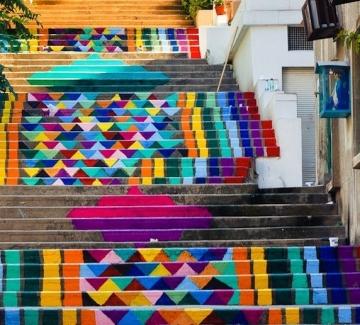 Цветните стълби