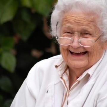 Бабичка една
