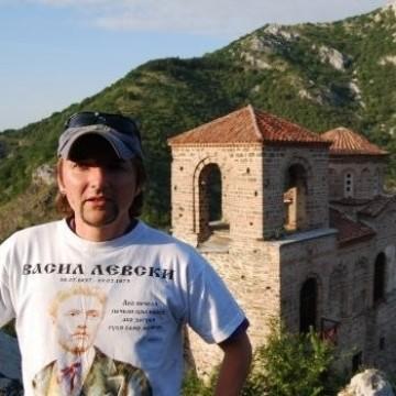 Ангел Маринов връща киното в Асеновград