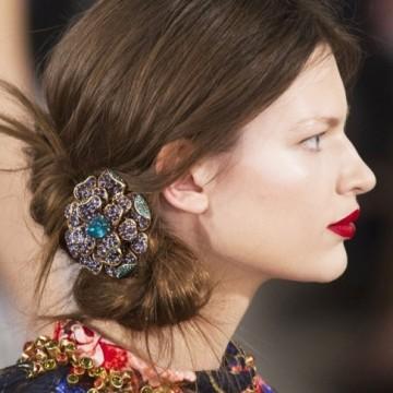 Гребен в косите – ретро украшенията се завръщат