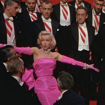 Джентълмените предпочитат блондинки, а блондинките...