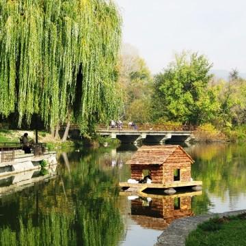 """Езерото в комплекса """"Загорка"""" в Стара Загора"""