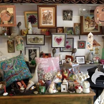 Малък магазин за подаръци с прекрасни възможности