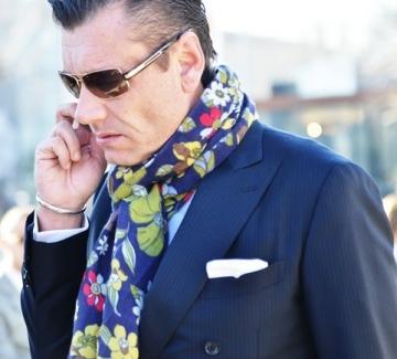 Мъжете и изкуството да се носи шал