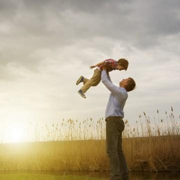 Семейство по образец (...или за непосилното бреме на добрия пример)