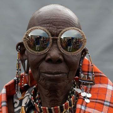 Karen Walker и хората на Кения