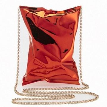 Металната чанта на Anya Hindmarch