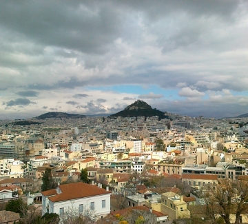 Атина – бунтарският и кипящ от живот мултикултурен град