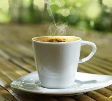 За кафето...