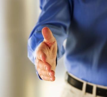 Какво говори ръкостискането ви?