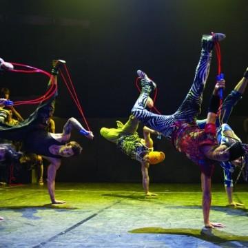 Cirque Éloize: цирк, театър, танц и музика е едно!