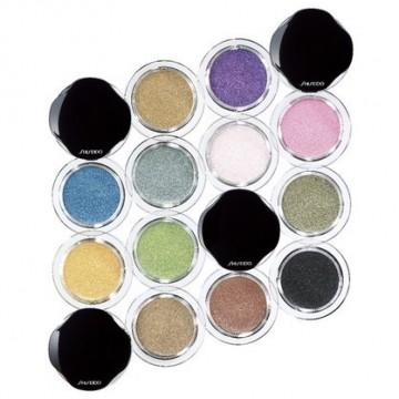 В цветовете на пролетта със сенките Shiseido Shimmering Cream Eye Colour