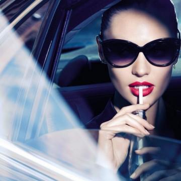 Целувка за спомен с червилото Lipfinity на Max Factor