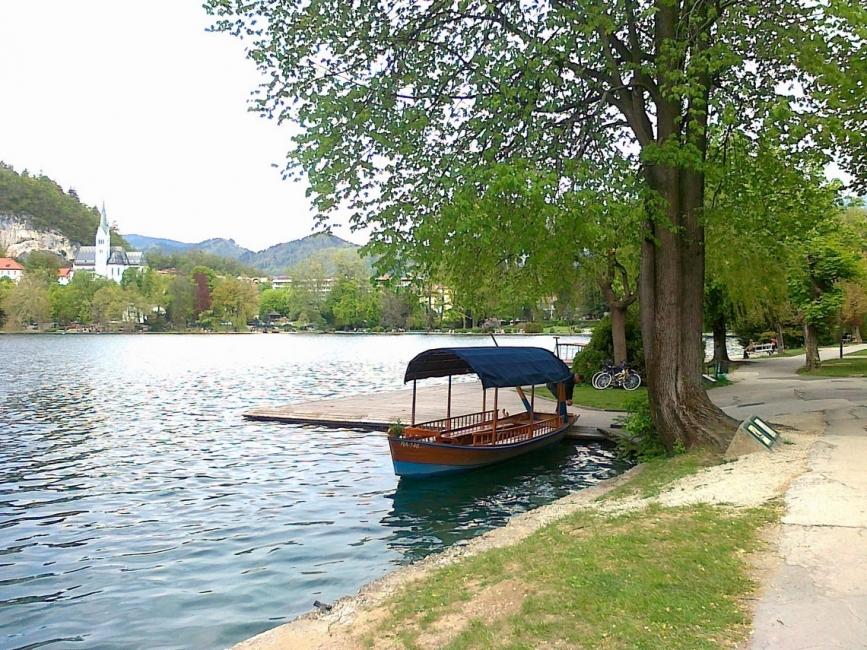 Приказното езеро Блед в Словения