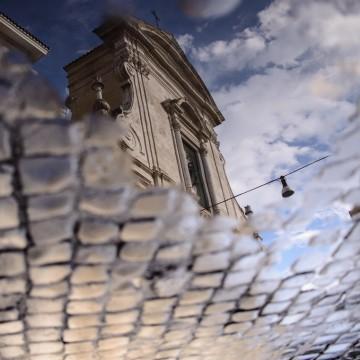 Рим в огледални локви