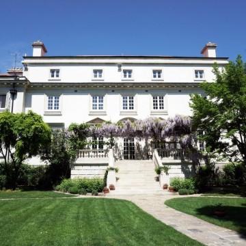 Британската резиденция в София - една красавица на сто години