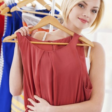 В шопинг списъка днес - красива лятна рокля