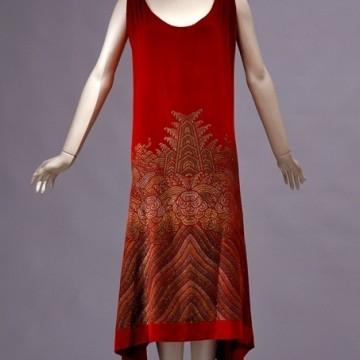 Готическите рокли на Мария Моначи Галенга