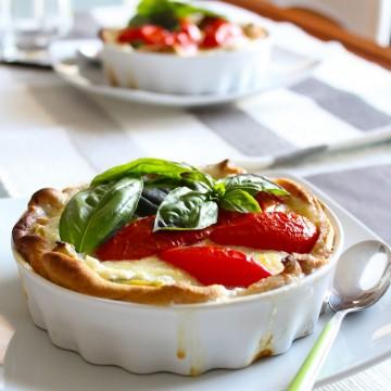 Италиански дни: Летен тарт с леки сирена, чери домати и пресен босилек