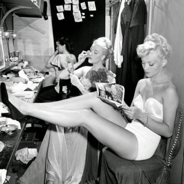 Винтидж снимки на кабаретни момичета от 40-те и 50-те