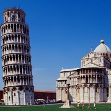 Пет наклонени кули в Европа, без да броим тази в Пиза