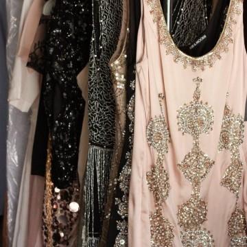 Десет вечерни рокли, които можете да купите с намаление