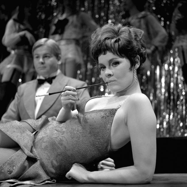 """""""Кабаре"""", или Джуди Денч, каквато никога не сте я виждали"""