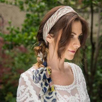Наръчник за прически: Романтична прическа с шал