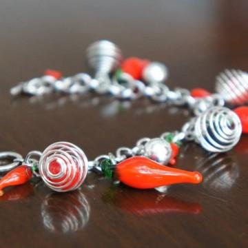Red Hot - колекция гривни с люти чушки